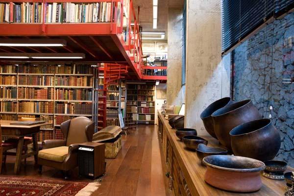 A biblioteca de José Mindlin, antes da mudança para a USP. Foto: Lúcia Mindlin Loeb (Foto retirada de http://www.brasiliana.usp.br/node/1063)