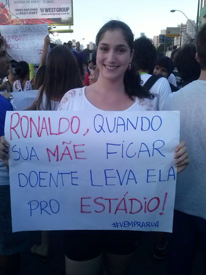 As hashtags #VempraRua e #OGiganteAcordou nas ruas